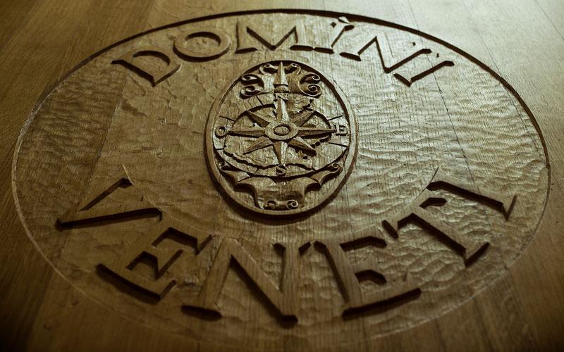 Domìni Veneti - logo sulle botti di vino